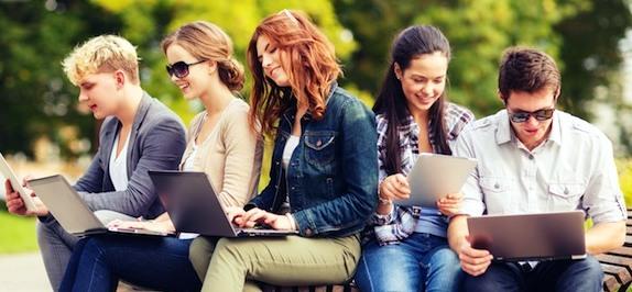 z generáció - laptop használat